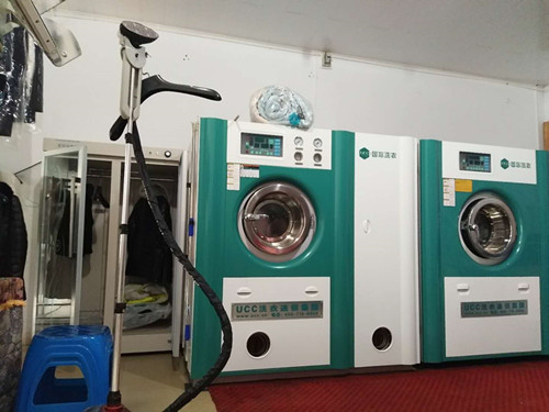 一套品牌干洗设备价格高吗?